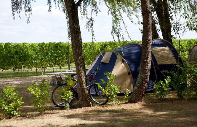 Camping le Pressoir 15 - Petit-Palais-et-Cornemps