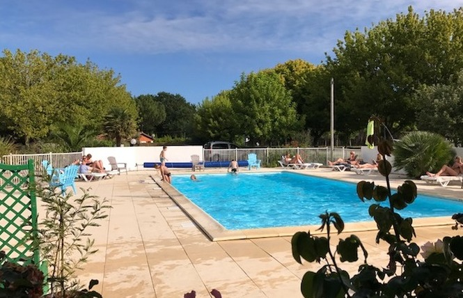 Camping La Chesnays 6 - Vendays-Montalivet