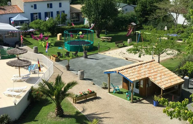 Camping La Chesnays 15 - Vendays-Montalivet