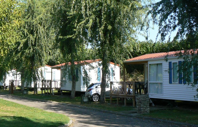 Camping De La Bastide 4 - Pineuilh