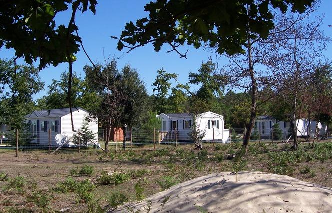 Camping La Chrysalide 3 - Carcans