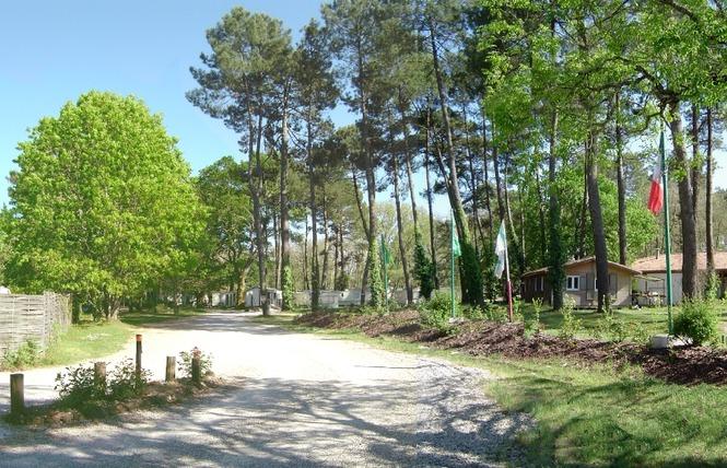 Camping Val de l'Eyre 5 - Salles