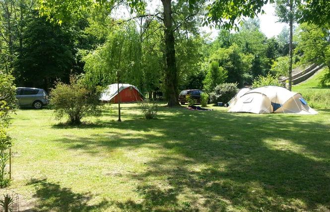 Camping Du Vieux Château 7 - Rauzan