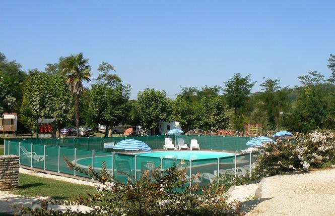 Camping De La Bastide 3 - Pineuilh