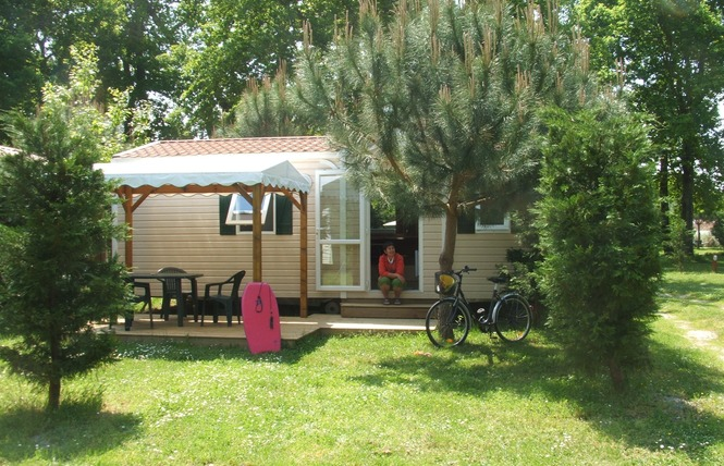 Camping La Chesnays 25 - Vendays-Montalivet