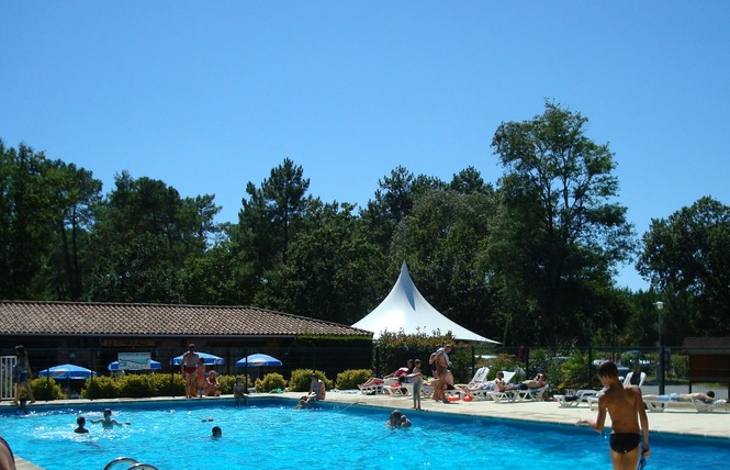 Camping Les Genets 1 - Soulac-sur-Mer