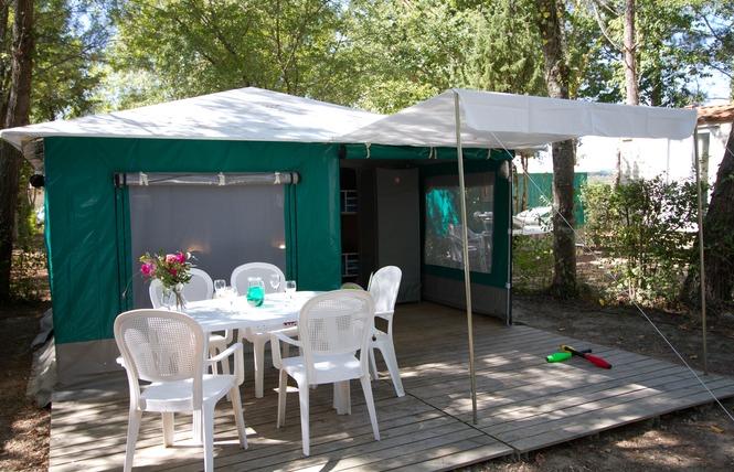 Camping le Pressoir 6 - Petit-Palais-et-Cornemps