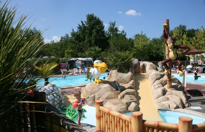 Camping des familles campings gironde for Camping gironde piscine